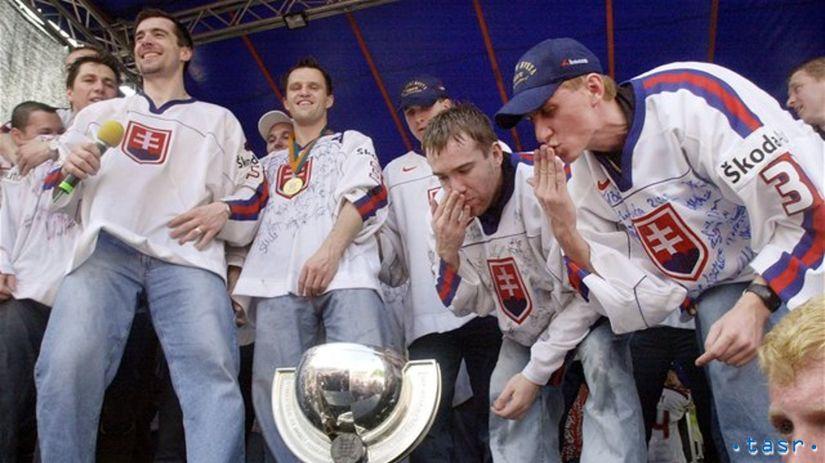 hokejisti, oslavy, namestie