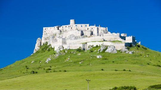 Legenda o Spišskom hrade: Tatárska pomsta, zvedená opatrovateľka a prerezané lano