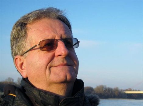 https://ipravda.sk/res/2012/07/17/thumbs/125230-karol-moravcik-clanok.jpg