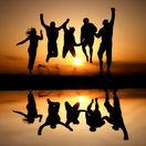 kamaráti, priatelia, mladí, ľudia, slnko, večer, párty, cestovanie, partia,