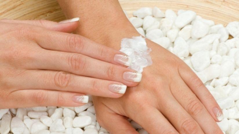 Krásne ruky aj nechty v zime. Dá sa to?