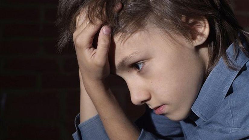 dieťa, šikanovanie, týranie, smútok, depresia