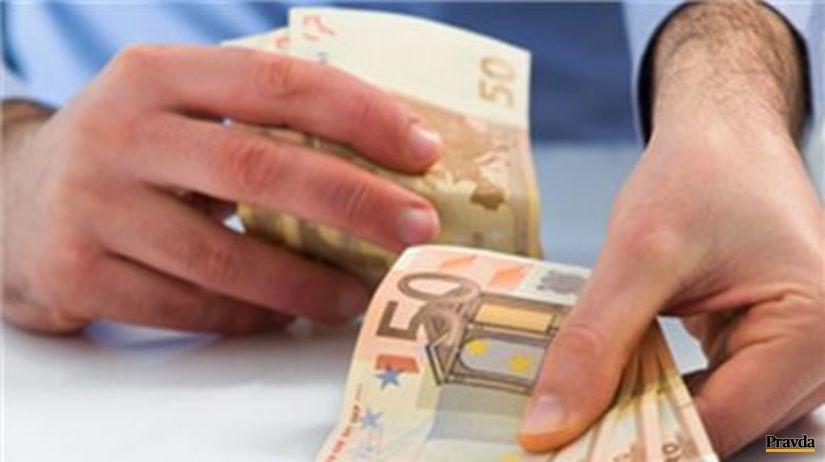 (typo - nepouzivat v orise) peniaze, výplata,...