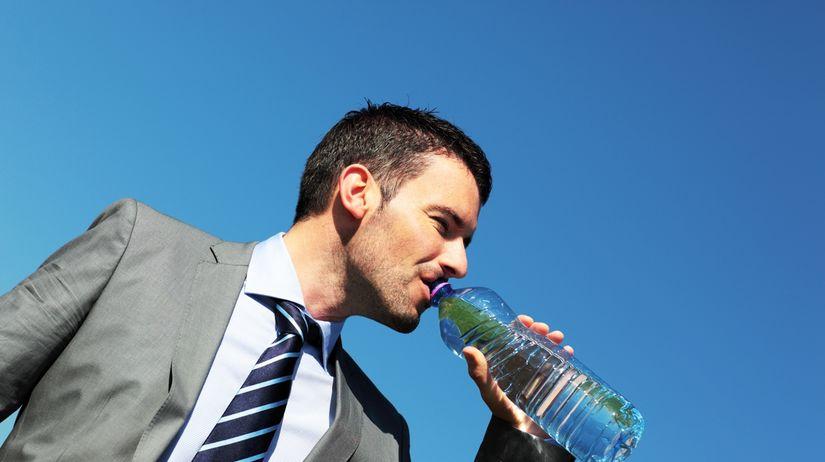 voda, nápoj, smäd, minerálka, piť, pitný režim,...
