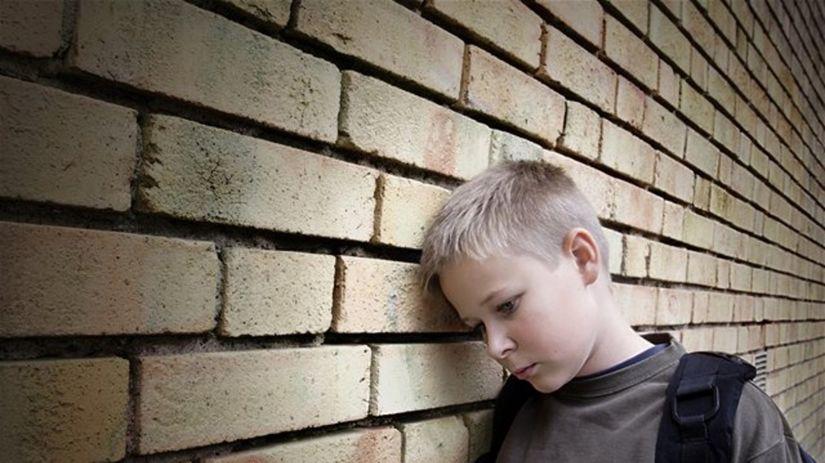 šikanovanie, dieťa, múr, šikana