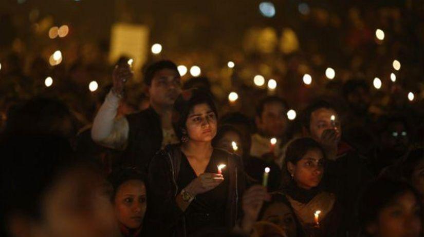 India, znásilnenie, smútočný pochod