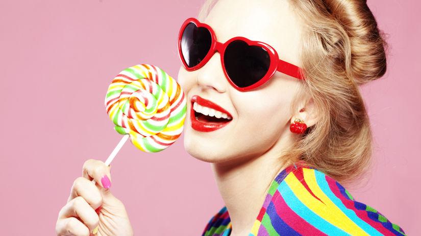 lízanka - farbivá v sladkostiach