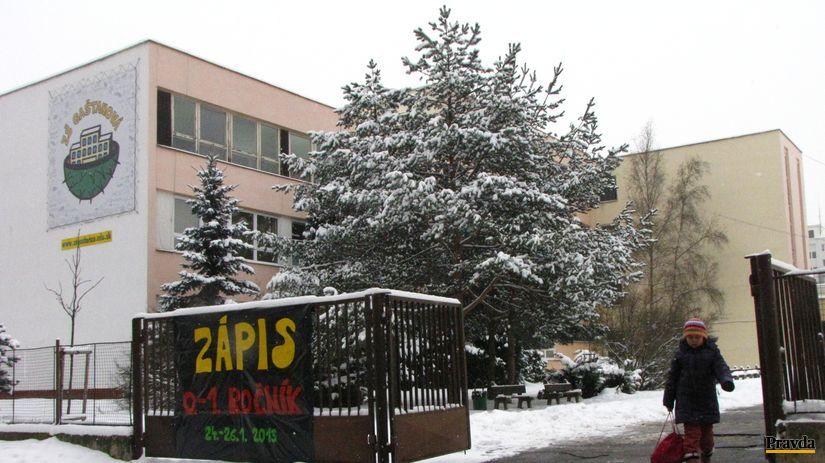 Škola, Žilina, Solinky