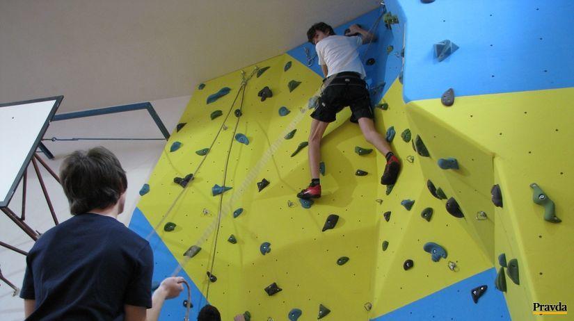 lezecká stena, horolezec, gymnázium
