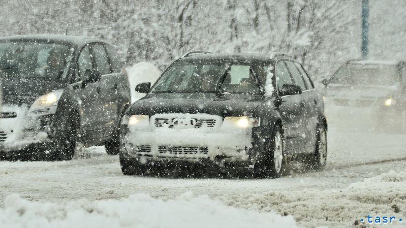sneh, sneženie, počasie, zima