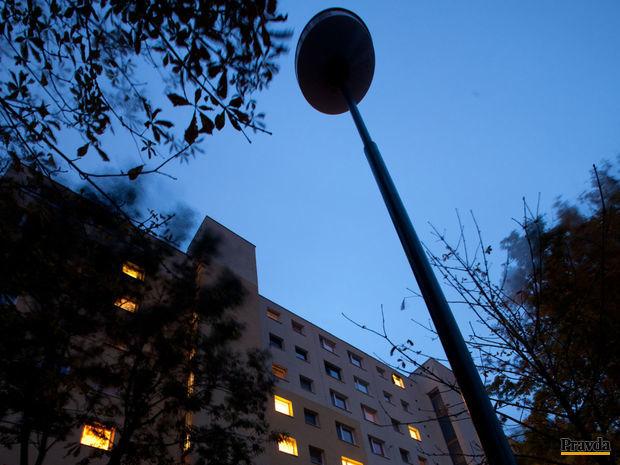 Osvetlenie, lampa, sídlisko, bývanie, panelák, svetlo