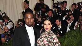 Kanye West a jeho partnerka - tehotná Kim Kardashian