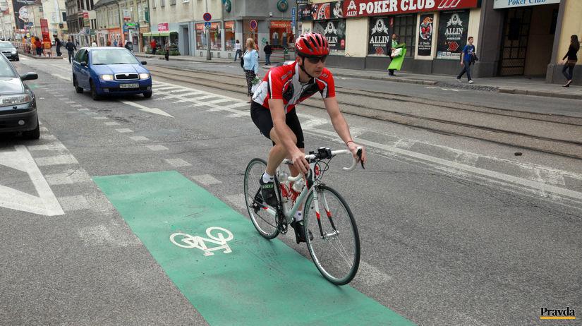 cyklotrasa, bicykel,centrum Bratislava, cyklista