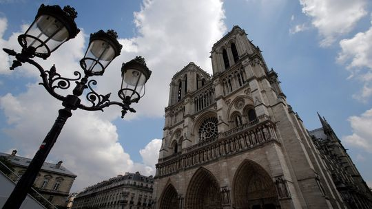 Naša dáma zažila drámu. 8 dôvodov, prečo je Notre-Dame ikonickou pamiatkou