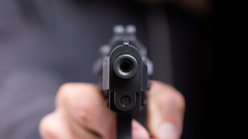 pištoľ, zbraň, lúpež, krádež, zlodej