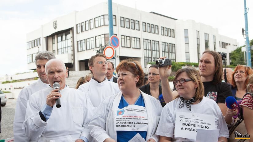 zdravotne sestry, protest, parlament, kollar