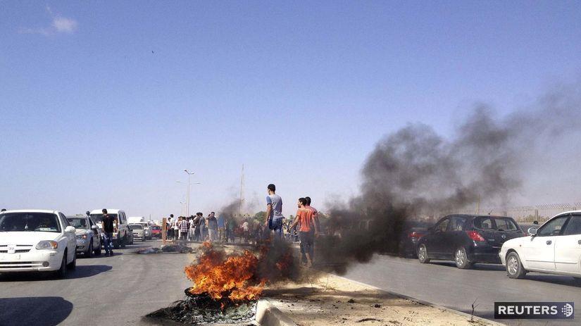 Líbya, Benghází, milície, strety, demonštrácie