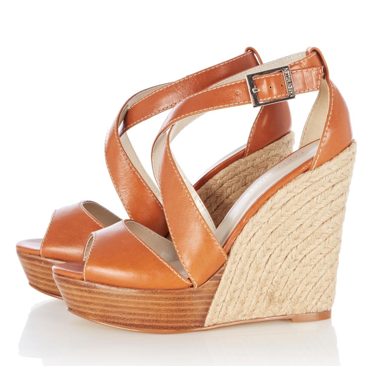 db3185b8ea Karamelové sandále na platforme so slameným lemovaním - predáva Karen  Millen.