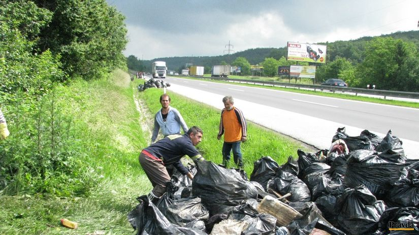 Róm, Rómovia, odpadky, diaľnica, Prešov, smeti