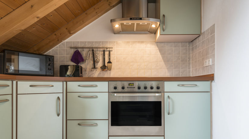 kuchyňa, elektrická rúra, elektrické domáce...