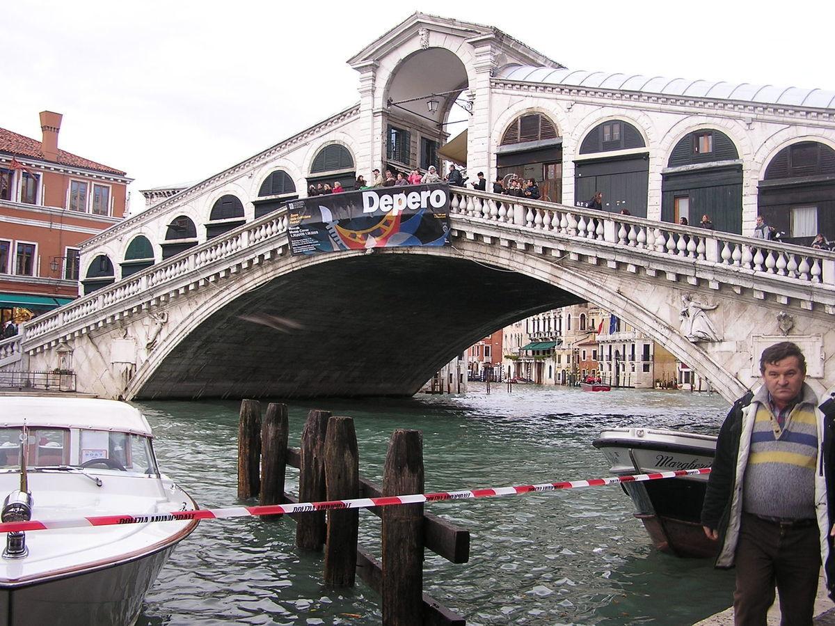 Benátky, most Rialto, turista, turisti