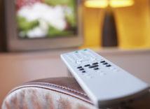 televízor, ovládač, sledovanie televízie, televízia