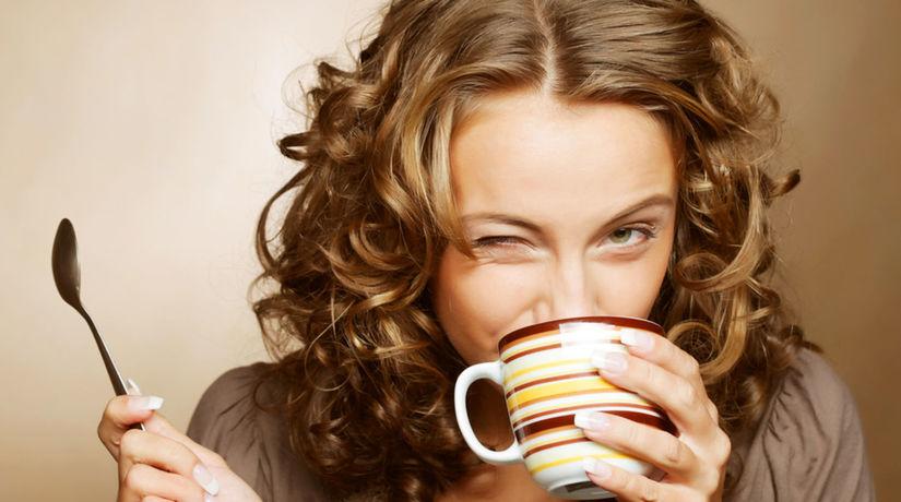 žena, káva, kaviareň
