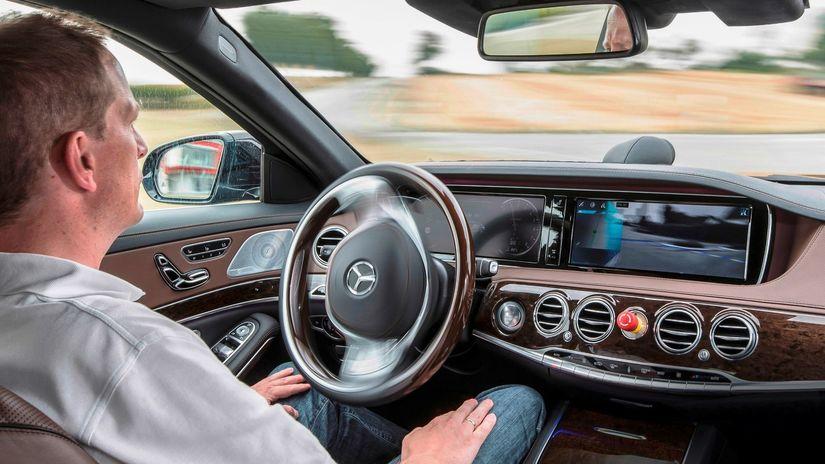Mercedes-Benz S Intelligent Drive