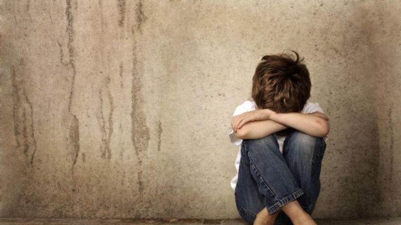 dieťa, týranie, smútok