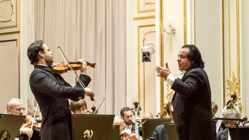 Filharmonia, Rahbari a Karvay