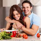 láska, rande, muž a žena, kuchyňa
