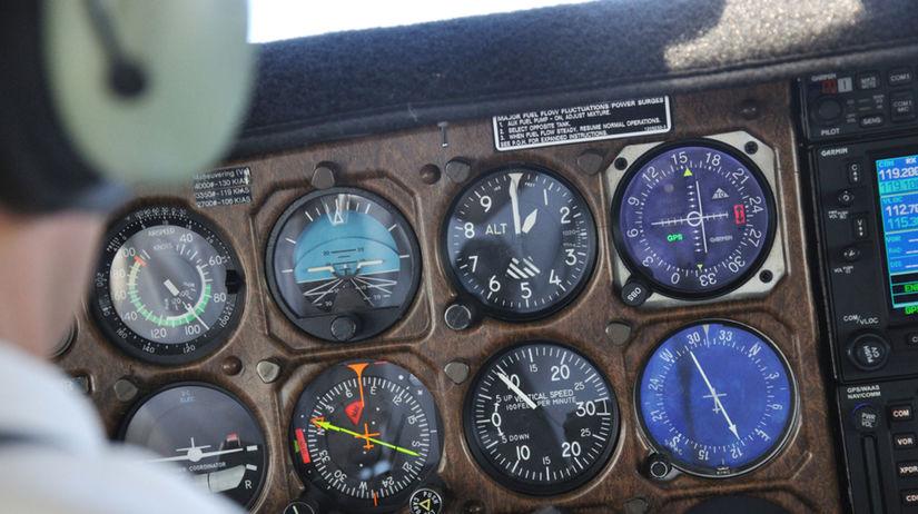 lietadlo, pilot, kokpit, letecká preprava,...