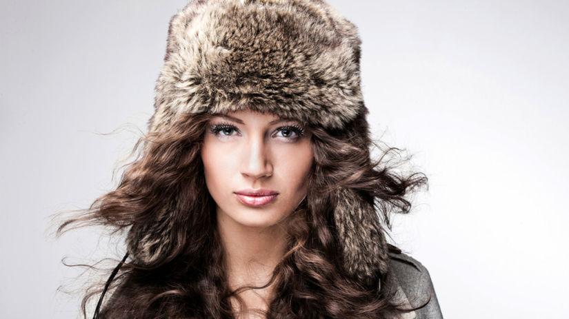 vlasy v zime, starostlivosť o vlasy, čiapka,...