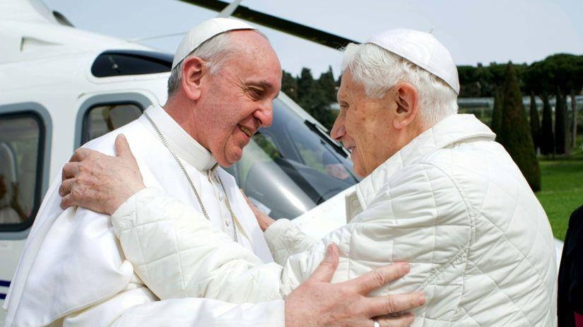pápež František, pápež Benedikt