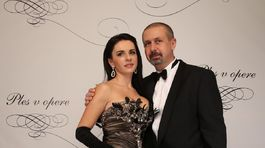Hokejový tréner Zdeno Cíger s manželkou.