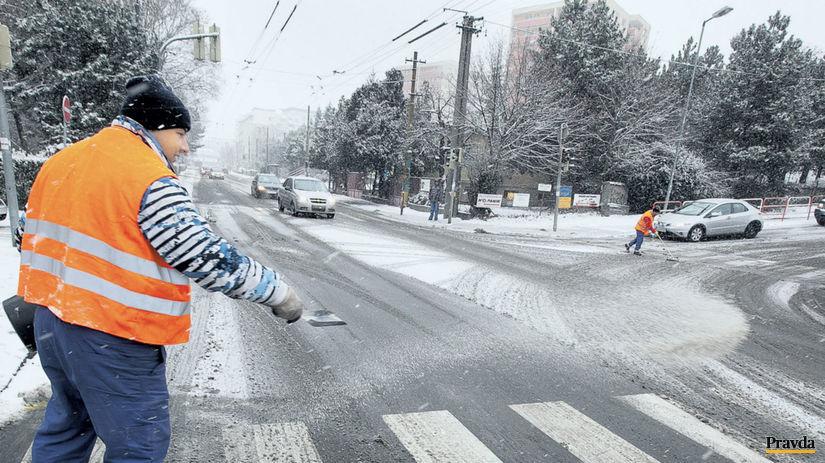 počasie, sneženie, sneh, údržba ciest, cesta,...