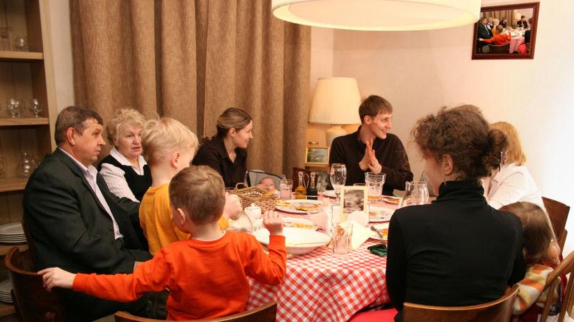 rodina, rodinná oslava, spoločnosť