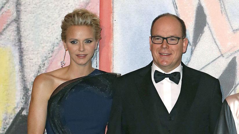 Monacký knieža Albert a jeho manželka -...