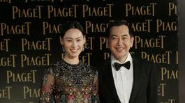 Herečka Isabella Leong (v šatách Valentino) s kolegom Anthonym Wongom.