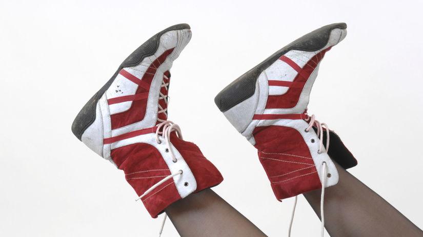 zdravé nohy, obuv, polohovanie