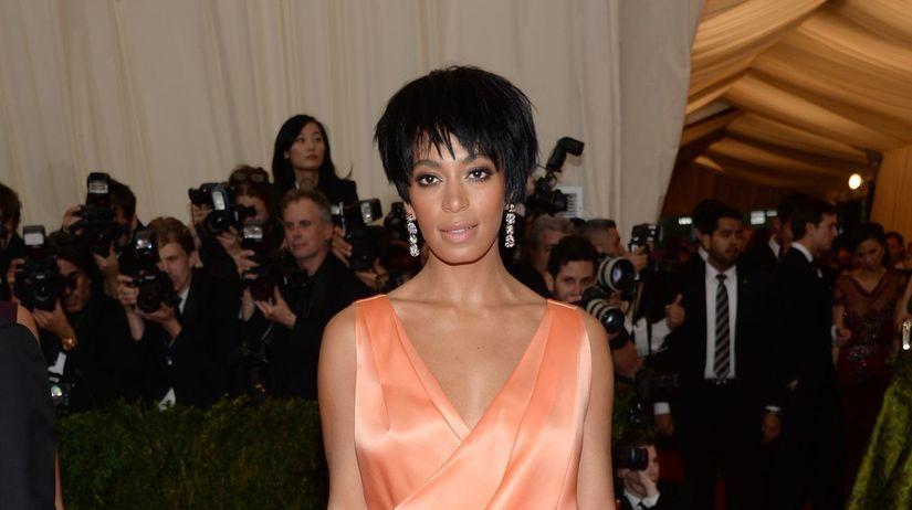 Solange Knowles si obliekla kreáciu z dielne...