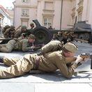 oslobodenie bratislavy, historicke ukazky bojov, vojak, svetova