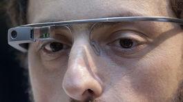 a1faad529 Okuliare Google Glass môžu byť nebezpečné pri chôdzi