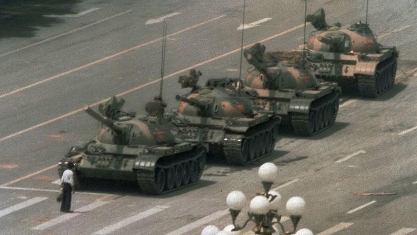 Čína, Tchien-an-men, tankový muž, tanky