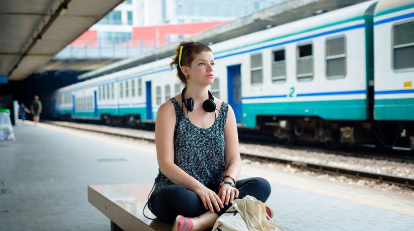 vlak, čakať na vlak