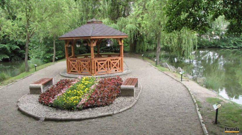 rybí chodníček, park, lučenec