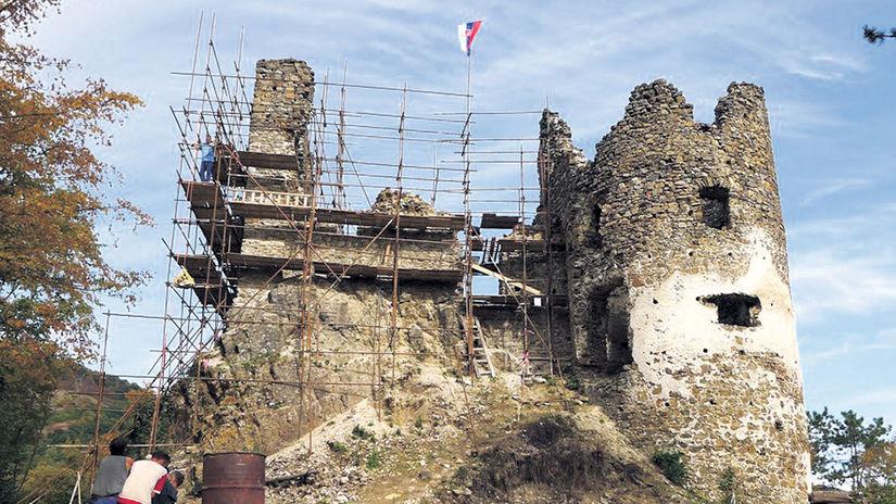Revište, hrad, práca