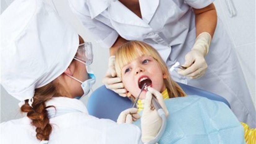 zubár, deti, dieťa, zubný kaz,