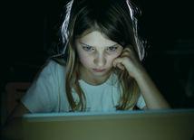 Internet je priestor plný predátorov. Mnoho detí si to vôbec neuvedomuje.