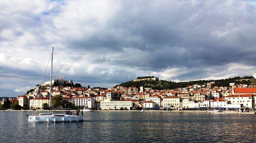 Šibenik, Chorvátsko, loď, leto